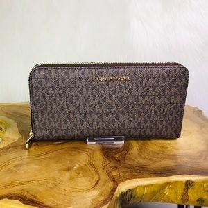 Michael Kors Jet Set Travel Large Leather Wallet